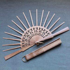 monture d'éventail en bois 10cm x21.5 cm avec 15 brins + 2 panaches