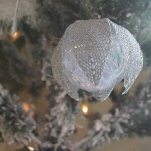 Modèle, carton Noël, boule, guirlande et goutte