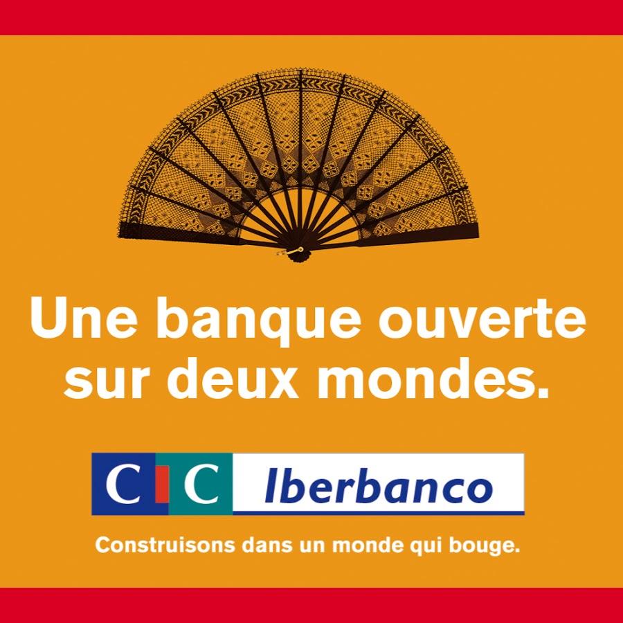 Publicité CIC Iberbanco avec image de l'éventail Guirlande de point d'esprit