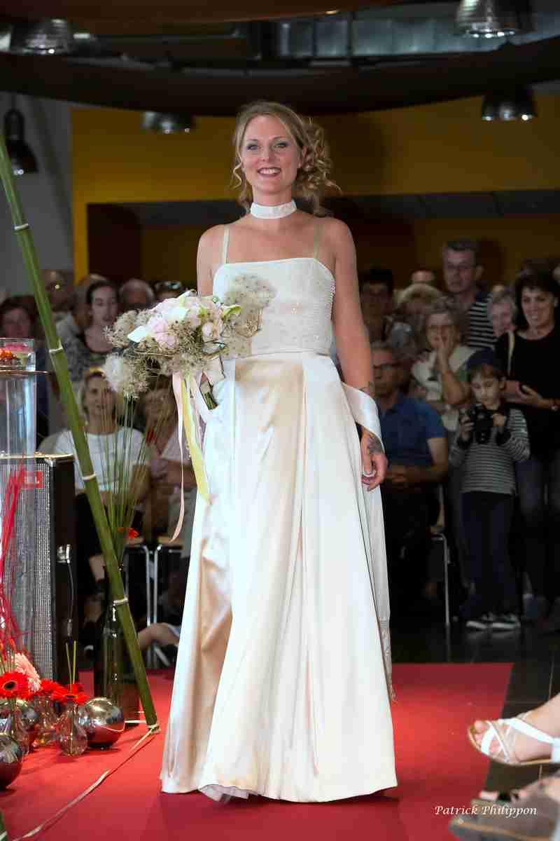 robe mariée bustier dentelle perlée