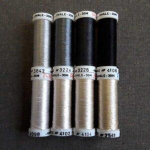 Nuancier Soie ovale du ver à soie, gamme de couleur du blanc - crème - gris - noir
