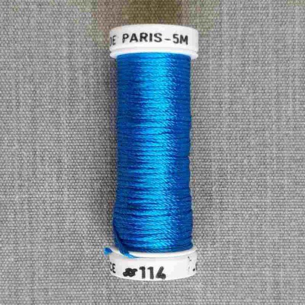 """Soie de Paris """" gamme de bleu"""" en 5 m( 6 brins)"""