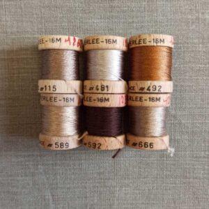 Nuancier marron de cordonnet en soie perlée